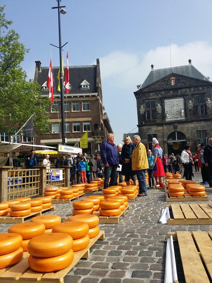 Pasar Keju Tradisional di Belanda, Gouda Pusat Keju Belanda, Menelusuri Pasar Tradisional di Belanda, Pemandu Wisata Orang Indonesia di Eropa
