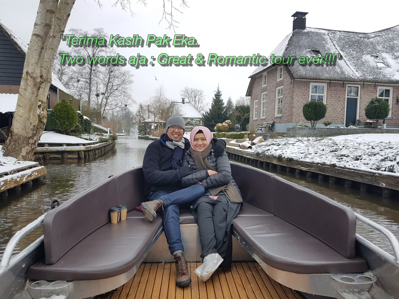 "Pak Arief dan Bu Rita di Giethoorn:"" ""Great and Romantic Tour Ever !!"" Wisata Romantis ke Giethoorn."