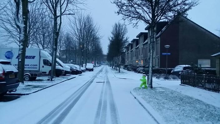 Belanda Musim Dingin, Salju Turun di Belanda, Bermain-main Salju di Belanda, Jalan Putih karena Salju, Melihat salju di Belanda, Pemandu wisata orang Indonesia di Eropa