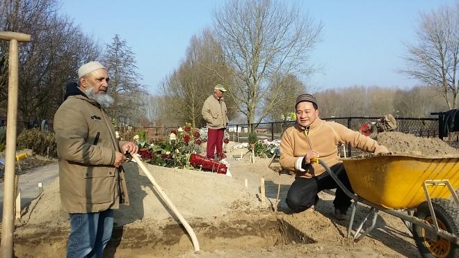 Pemakaman muslim di Belanda. Meninggal di Belanda, Kuburan Muslim di Belanda, Serbalanda Mengurus Kematian, Sakit Keras di Belanda.