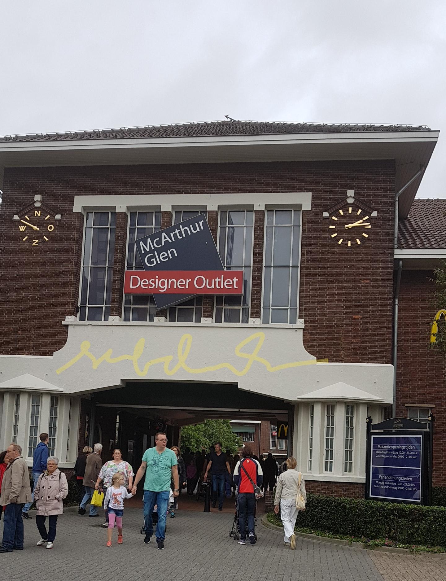 FO Roermond, Belanja Outlet di Belanda, Belanja oleh-oleh di Belanda, Branded Harga Murah di Belanda, Pemandu Wisata Indonesia di Belanda dan Eropa