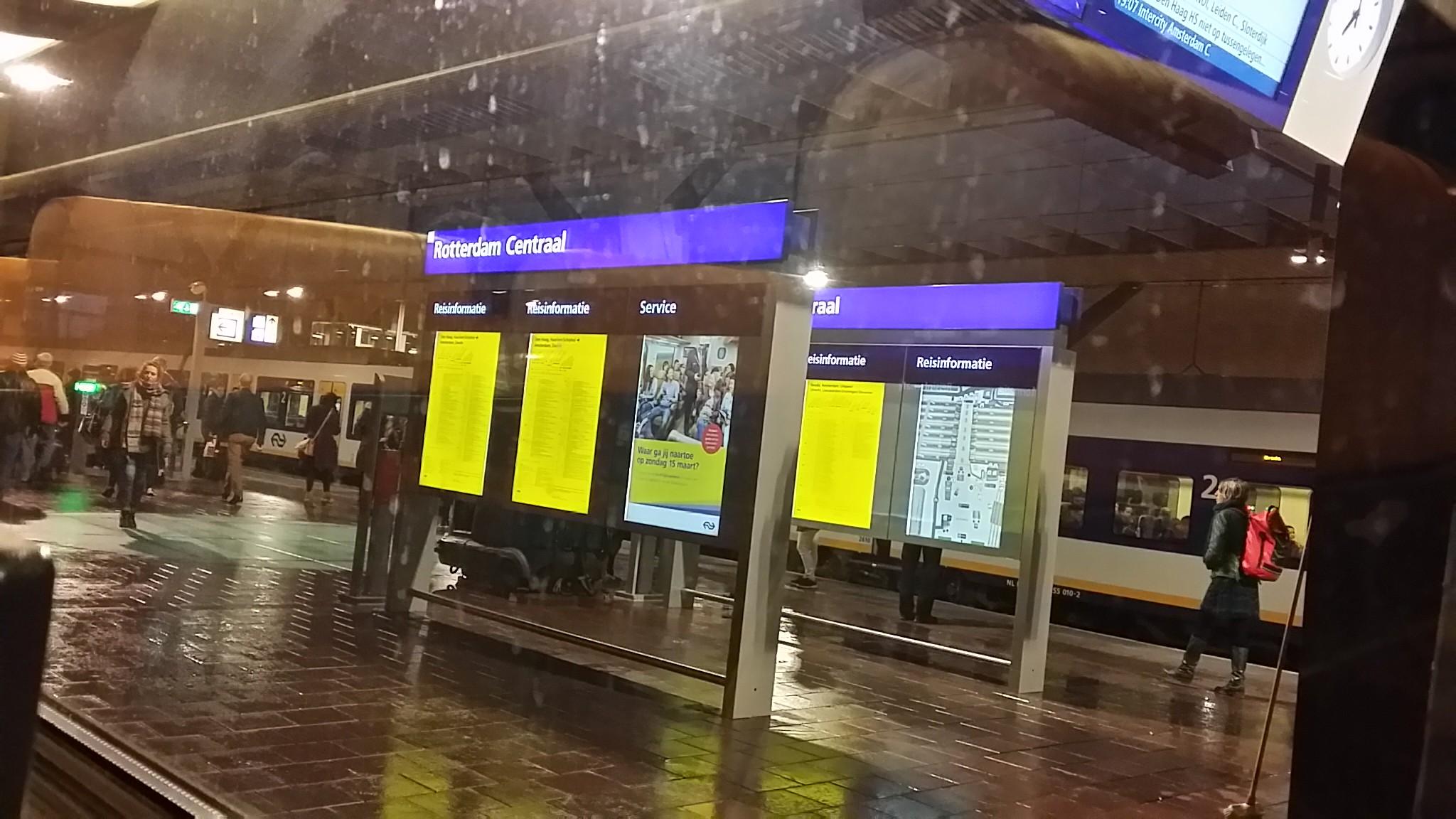 Stasiun Rotterdam 2015-03-11 18.58.51