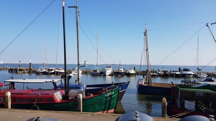 Wisata Tiga Tempat: Volendam, Zaanse Schans dan Giethoorn. Dusun Pelabuhan di Belanda. Dam di Belanda.