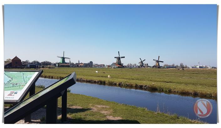 Kincir Angin Ciri Khas Belanda, Holland Bakery, Zaanse Schans, Amsterdam