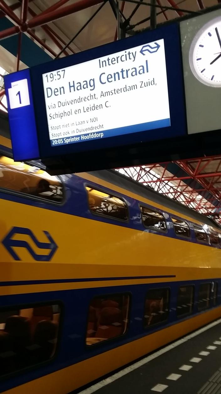 Kereta Api Belanda, Angkutan Umum di Belanda, Naik kereta ke Bandara, Serbalanda, Serbalanda Tour, Eka Tanjung
