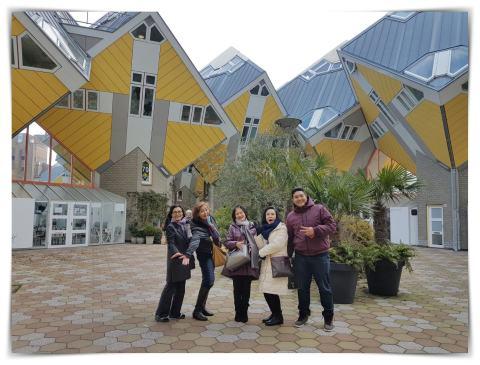 Rumah Kubus Rotterdam, Cube Houses, Arsitektur Rotterdam, Kota Pelabuhan Belanda, Wisata Orang Indonesia di Belanda, Jalan-jalan di Belanda, Kinderdijk