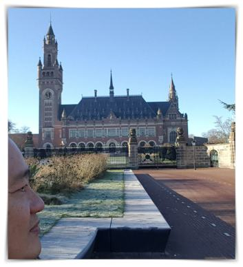Istana Perdamaian, Wisata Den Haag, Jalan-Jalan Belanda, Eka Tanjung, Serbalanda Tour, Tour Orang Indonesia di Belanda.