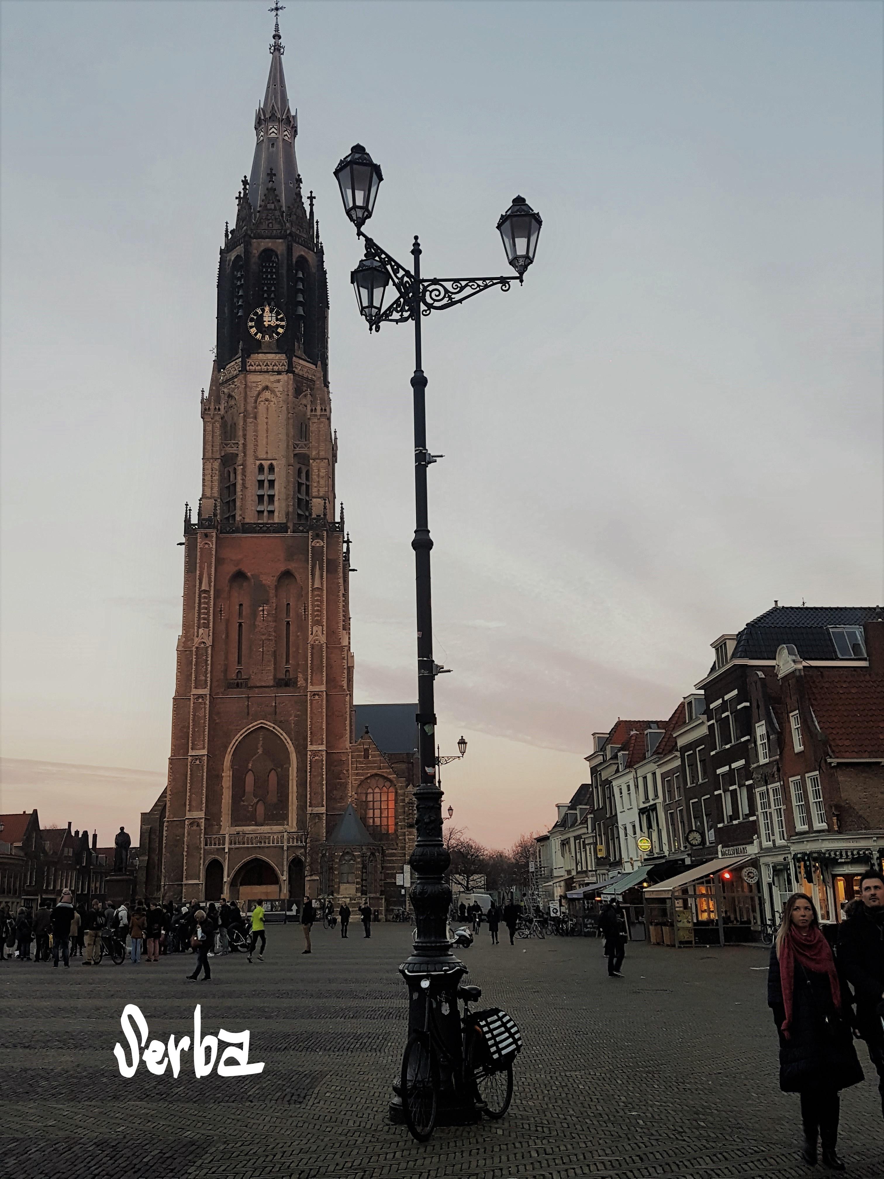 Alun-alun kota Delft, Delft Kota Keramik, Vermeer, Delft Blue, New Church. Pemandu Wisata orang Indonesia di Belanda.