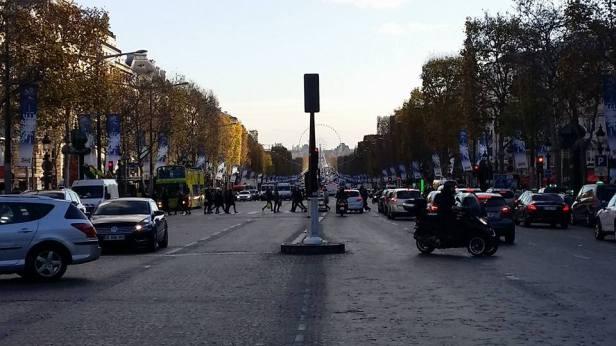 Paris_Jalanan
