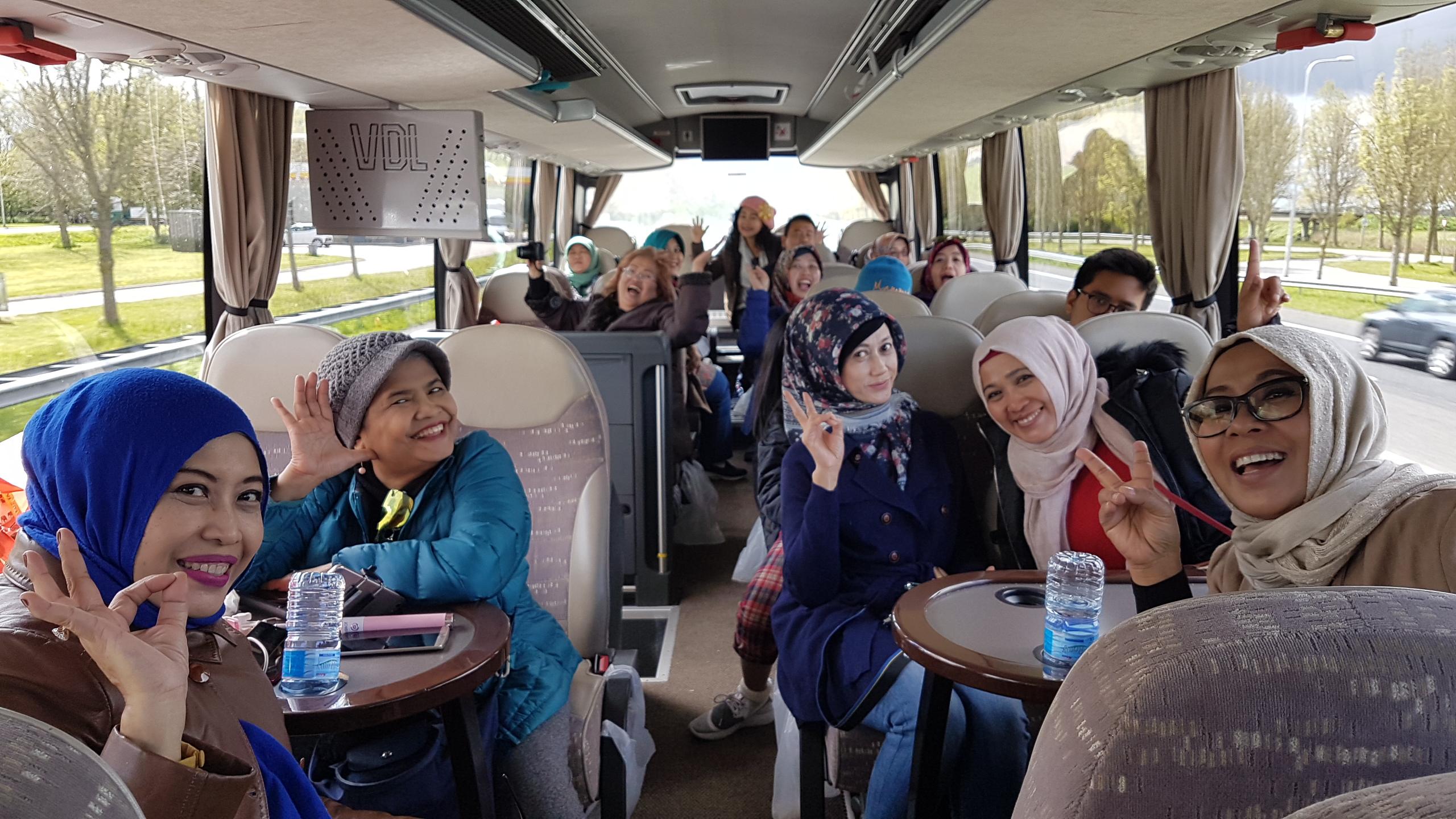 Transportasi Bus Wisata di Eropa, Rombongan besar wisata di Eropa, Menyewa Bus di Eropa. Wisata Rombonga besar.