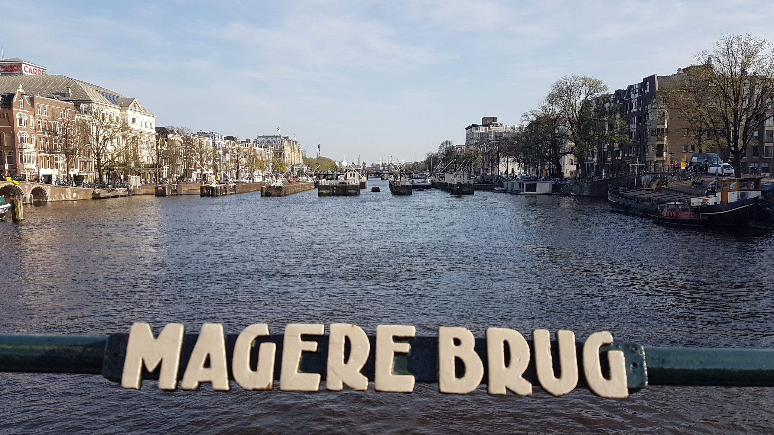 Magere Brug, Spot Bagus di Amsterdam, Spot Amsterdam, Iamsterdam, Wisata di Amsterdam, Skinny Bridge