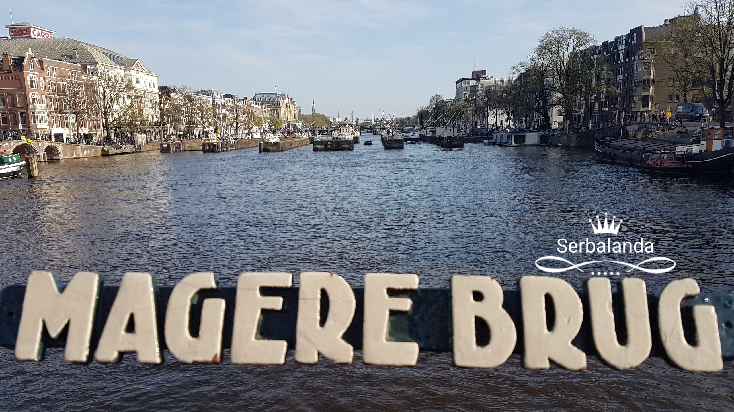 Jembatan Kayu di Amsterdam, Jembatan Tertua, Lokasi Unique di Amsterdam, Kanal-kanal Amsterdam, Rumah-rumah Kanal. Serbalanda, Pemandu Wisata Orang Indonesia