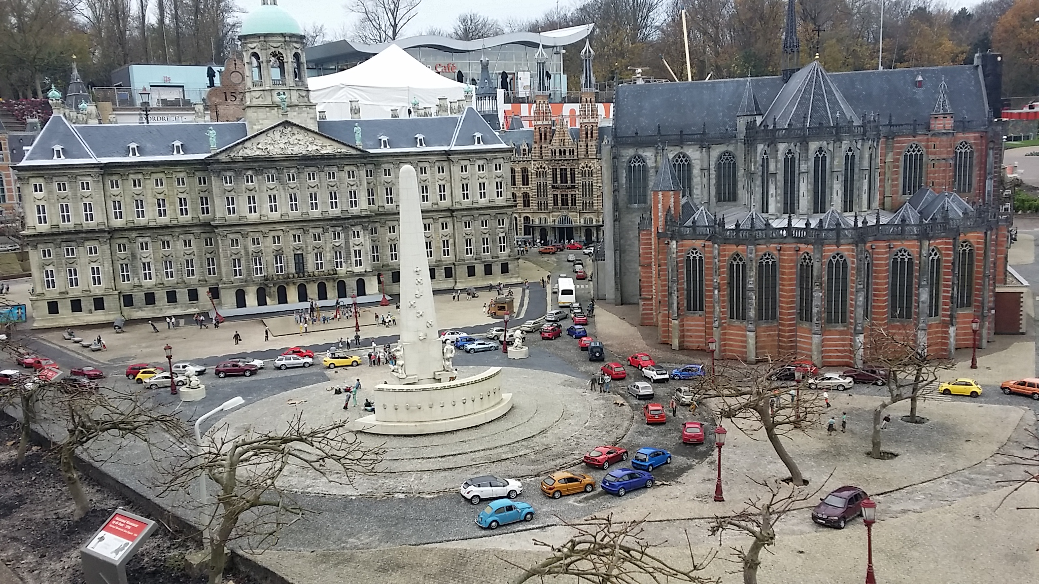 De Dam Amsterdam, Damrak, Pusat Kota Amsterdam, Royal Palace, Madurodam, Serbalanda Tour, Eka Tanjung