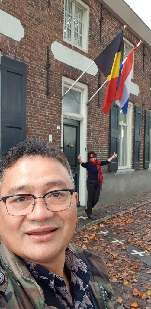 Pemandu wisata Belanda, Orang Indonesia di Amsterdam, Rumah di Perbatasan Belanda dan Belgia. Wisata Belanda, Wisata Belgia, Private Tour Belanda, Paket Tour Belanda dan Belgia