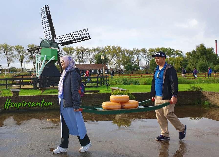 Spot Bagus di Zaanse Schans, Jalan-Jalan di Belanda, Transit Tour, Wisata Transit di Belanda, Guide Orang Indonesia, Supirsantun, Serbalanda