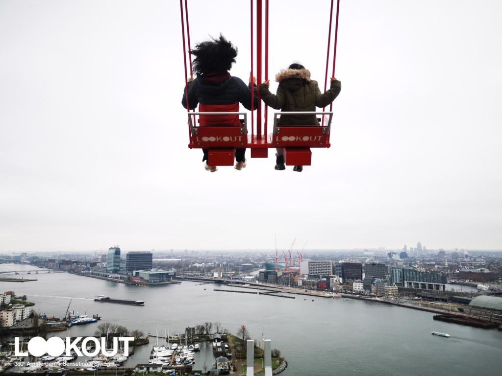 Amstardam LookOut yang spektakule. Ayunan di Amsterdam, Wisata Keren di Amsterdam, Jalan-Jalan Menyenangkan di Amsterdam, Pemandu Wisata Orang Indonesia di Amsterdam