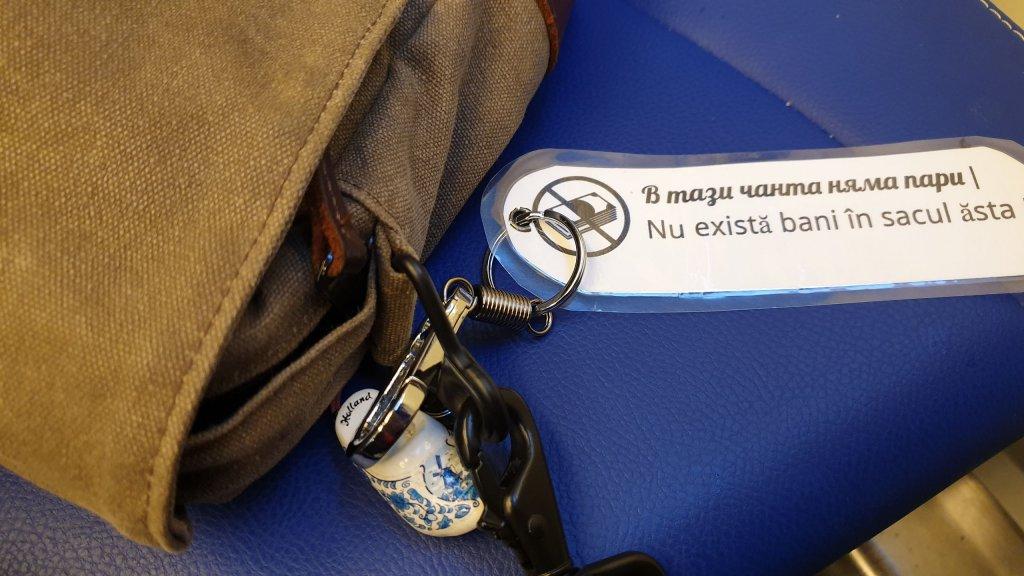 Label Tas, Anti Copet. Tidak ada uang di tas ini.